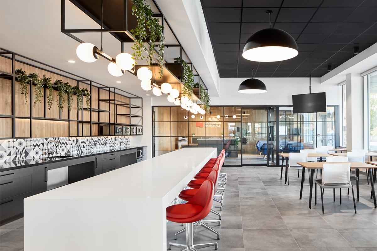 Cafétéria au Centre d'appel Banque Nationale à Sherbrooke par VAD