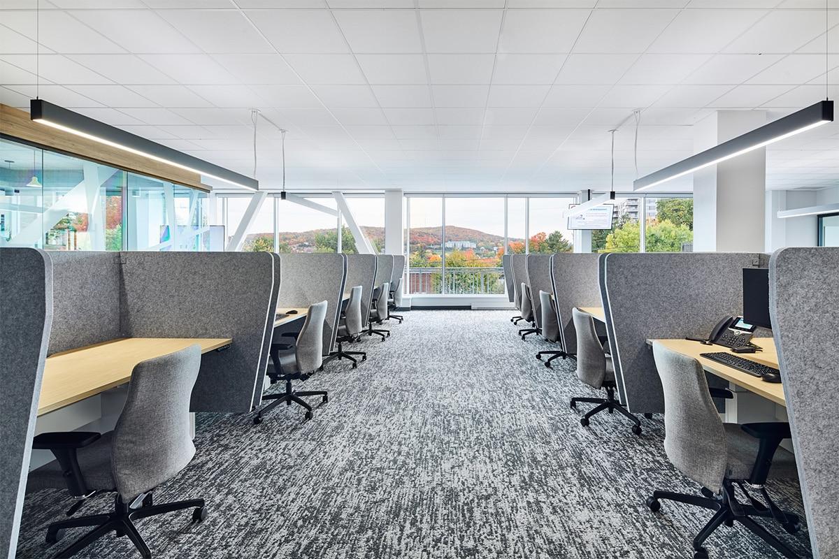 Postes de travail au Centre d'appel Banque Nationale à Sherbrooke par VAD