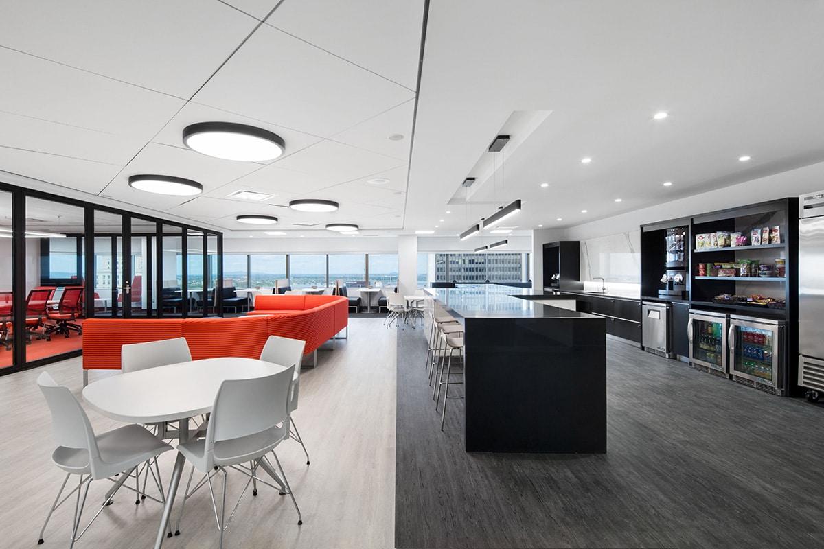 Cuisine au siège sociale de Banque Nationale a Montréal aménagé par VAD Designers