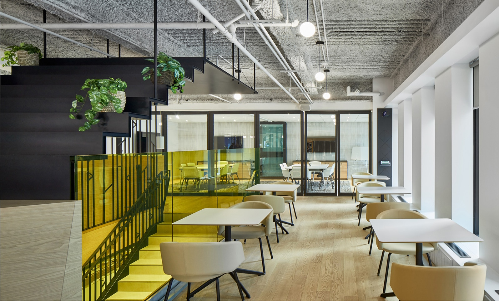 Salle à manger Station FinTech Montréal par VAD Designers d'espaces