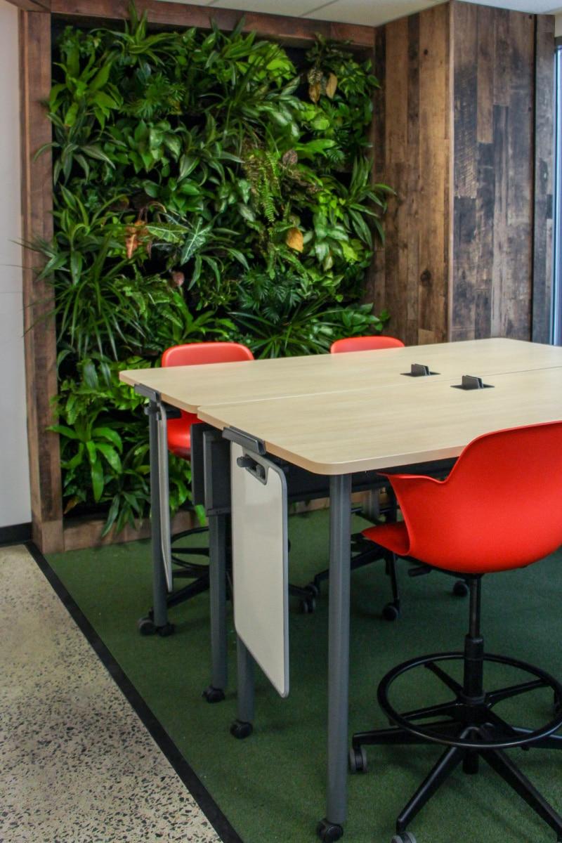 Salle de classe jardin au Collège LaSalle à Montréal aménagé par VAD Designers
