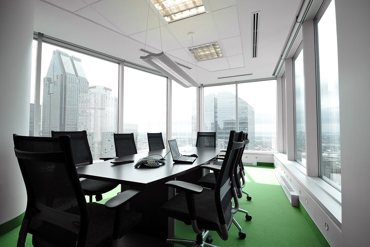 Meeting room green carpet in Montreal designed by VAD