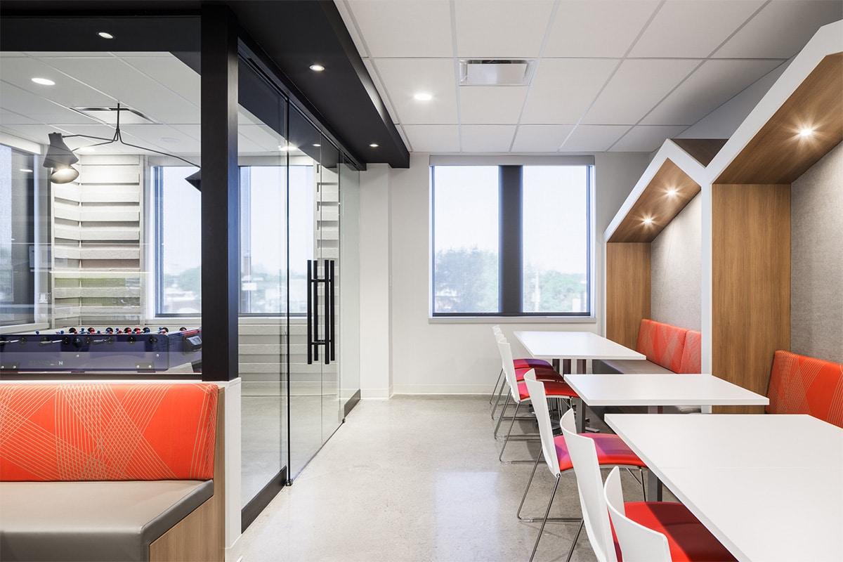 Salle de jeux au siège social du Fonds de Solidarité FTQ, Montréal par VAD Designers