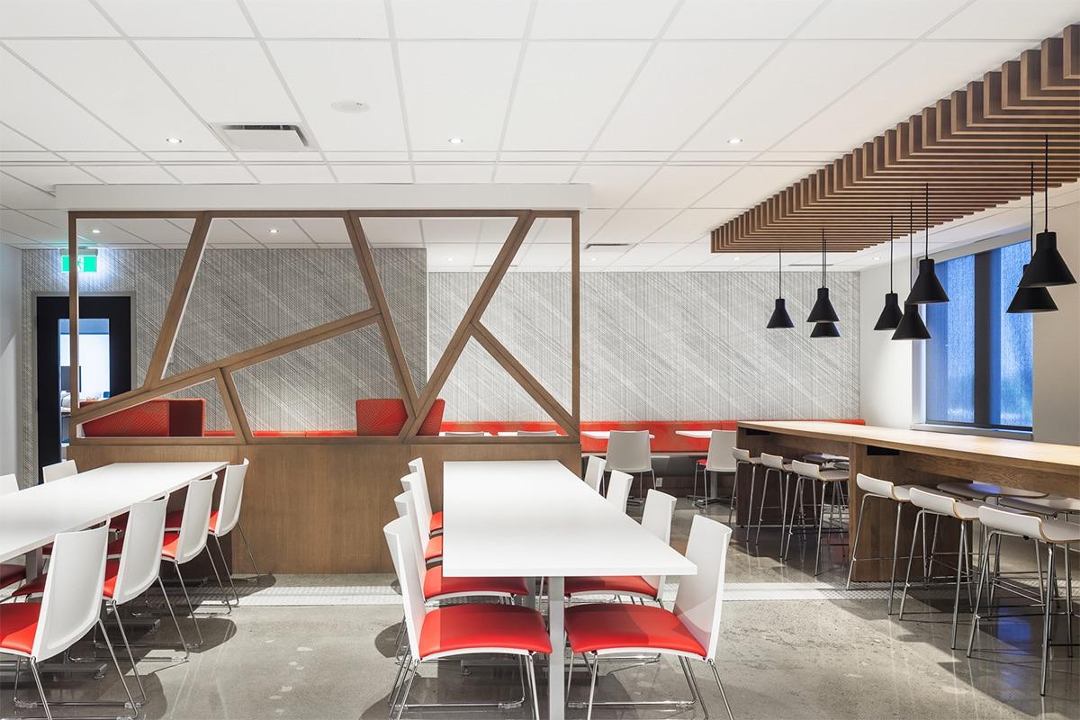 Aire de vie au siège social du Fonds de Solidarité FTQ, Montréal par VAD Designers